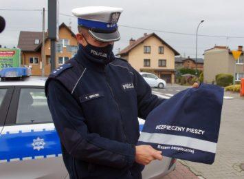 Policja: Odblaskowe reklamówki dla seniorów [FOTO]