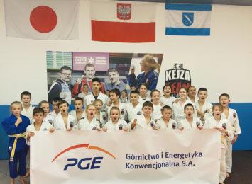 Frajda ze sportowej rywalizacji, dzięki pieniądzom od sponsorów. PGE GiEK dla judoków