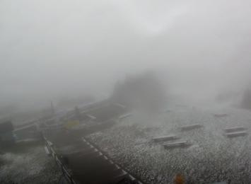 W Beskidach już prószy śnieg
