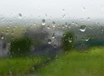 Synoptycy ostrzegają. Ciąg dalszy opadów deszczu w regionie