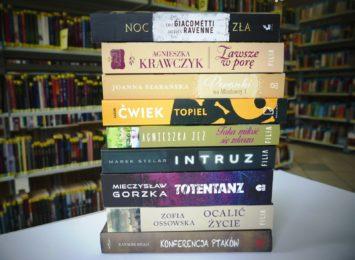Jak wypożyczyć książki w jastrzębskiej bibliotece?