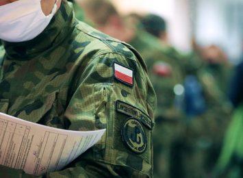 Ozdrowieńcy z 13. Śląskiej Brygady Obrony Terytorialnej oddają osocze