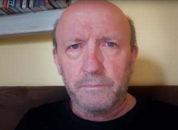 Chory na koronawirusa aktor Artur Barciś poetycko ostrzega przed COVID-19 [WIDEO]