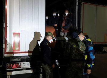 14 Afgańczyków ukrytych w pojeździe ciężarowym [WIDEO]