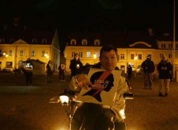 Strajk kobiet w Żorach. Protest z zapalonymi zniczami na rynku [LIVE, FOTO]