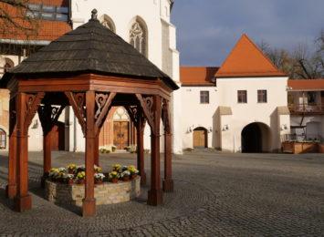 Pomysł na weekend: Spacer po dziedzińcu Zamku Piastowskiego w Raciborzu [FOTO]