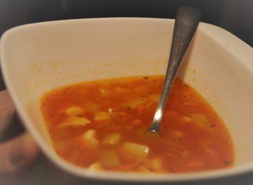 Kuchnia Radia 90: Szybka, pożywna, smaczna...