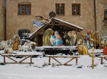 Wystawa szopek bożonarodzeniowych w wodzisławskiej dzielnicy Jedłownik