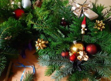 Przedświąteczne zamieszanie na Starym Mieście. Mieszkańcy Wodzisławia szykują bożonarodzeniowe upominki [FOTO]