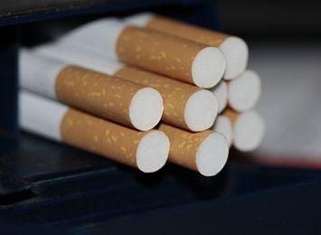 """Policjanci z Jastrzębia znaleźli """"lewe"""" papierosy i krajankę tytoniową"""