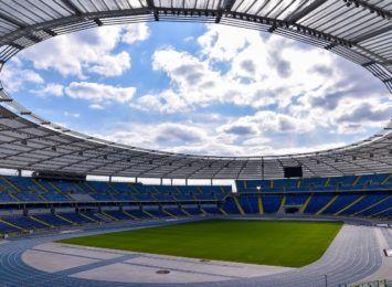 Stadion Śląski w złotych barwach. Zaświeci z konkretnego powodu