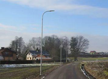 Nowe oświetlenie w Pawłowicach. To pierwszy etap planowanej inwestycji [FOTO]