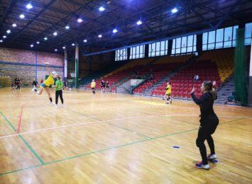 Piłkarki ręczne MTS-u Żory przegrały w Legnicy