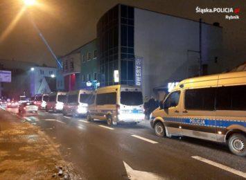 Zamieszki przed klubem Face2Face w Rybniku. Co mówi policja?