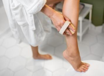 Szczotkowanie na sucho. Chwilowy trend czy proste rozwiązanie dla zdrowej skóry?