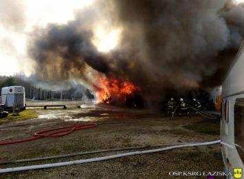 50 strażaków gasiło pożar w stajni w Skrzyszowie [FOTO]