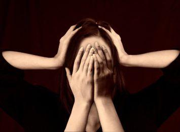 Psycholog: dane potwierdzają, że pandemia źle wpływa na zdrowie psychiczne Polaków