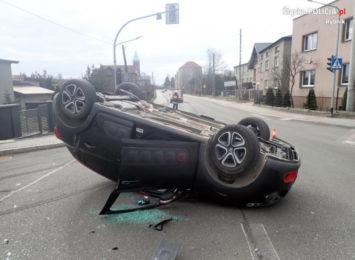Wypadek samochodowy w Lyskach. Kobieta podróżowała z 5-letnią dziewczynką [FOTO]