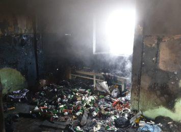 Pożar w Jastrzębiu. Zaprószenie ognia w pustostanie [FOTO]