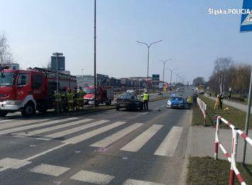 Wypadek na przejściu dla pieszych w Żorach. Do szpitala trafiło dwoje nastolatków