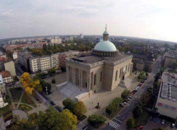 Wielkanoc w czasie pandemii. Kościoły w Wielkim Tygodniu są otwarte, ale są limity