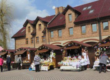 Jarmark wielkanocny na rynku w Pawłowicach. Spokojnie, bez imprez