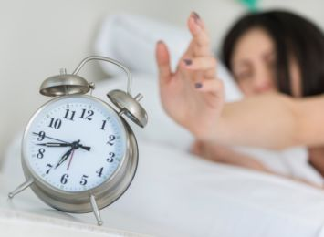 W nocy przestawiliśmy zegarki! Jak zmiana czasu na letni wpływa na nasze zdrowie?