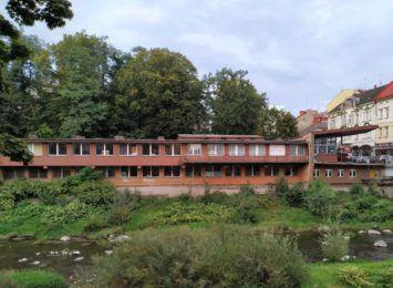 Prace rozbiórkowe na Zamkowej w Cieszynie. Mogą pojawić się ograniczenia na ścieżce rowerowej i deptaku