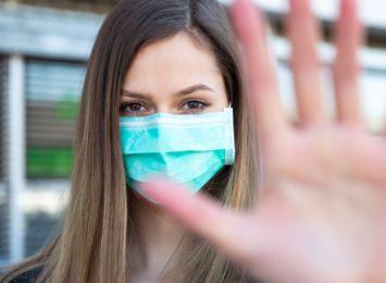 Koronawirus: 797 nowych zakażeń w kraju. Jedna osoba zmarła z powodu covid