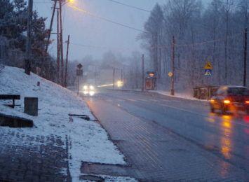 Śnieg i ślisko. Zima wciąż jest z nami w regionie