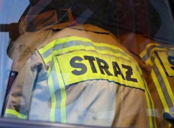 Samochód był cały objęty ogniem. Pożar ugasili ratownicy