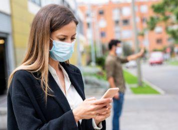 Koronawirus: Koniec z maseczkami na świeżym powietrzu?