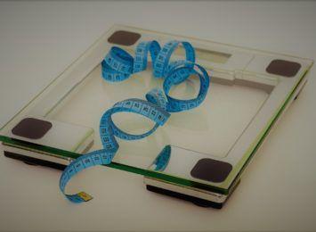 Światowy Dzień Otyłości - 53 proc. Polek i 68 proc. Polaków ma nadmierną masę ciała