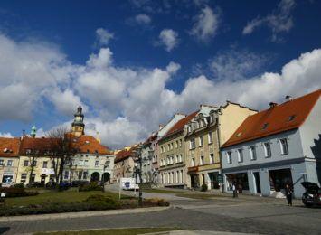 Jeszcze do 14.00 na wodzisławskim rynku potrwa jarmark staroci