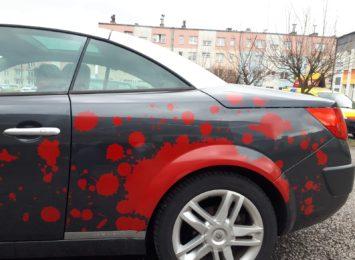 Znowu porysowany samochód na ulicy Żeromskiego w Wodzisławiu