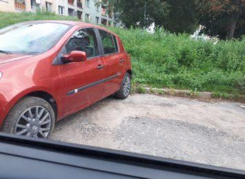 Mieszkańcy Wodzisławia są bezsilni wobec wandala. Poszkodowani opisują zniszczenia Radiu 90