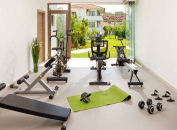 Drewniany domek: dlaczego warto zmienić go w domową siłownię?