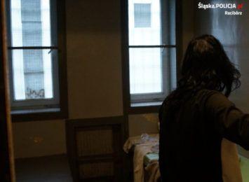 Narkotyki w mieszkaniu poszukiwanej 24-latki z Raciborza. Kobiecie grozi 10 lat więzienia
