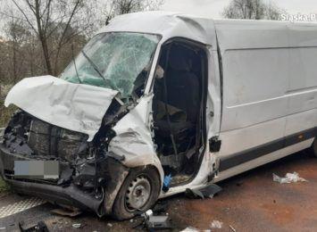 Żory: Ciężarówka zderzyła się z samochodem dostawczym. Dwie osoby zostały ranne