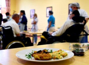 Warsztaty kulinarne w Rybniku. Jak przekonać seniorów do zdrowego odżywiania?