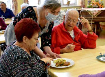 Rybnik pomaga seniorom, słabszym, w potrzebie. Jaki jest zakres działań pomocy społecznej w mieście?