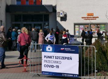 Ruszyła akcja szczepień w Czerwionce- Leszczynach. Równolegle może być obsługiwanych nawet 10 osób [FOTO, WIDEO]