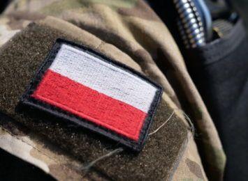 Wypadek samochodu wojskowego w Warszowicach. Ranny żołnierz