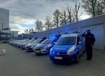 Policjanci w całym regionie oddali hołd zmarłemu koledze [WIDEO]