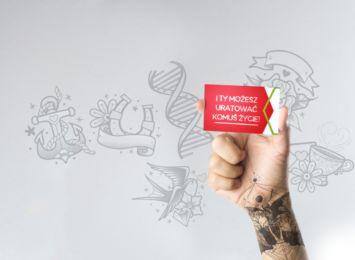 """Tatuaż wyklucza z bycia dawcą? DKMS odpowiada: """"Nie!"""""""