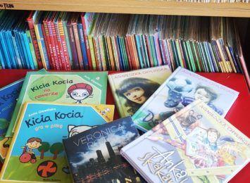 Książka na weekend. Poleca biblioteka w Lubomi