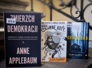 Książka na weekend. Poleca biblioteka w Cieszynie