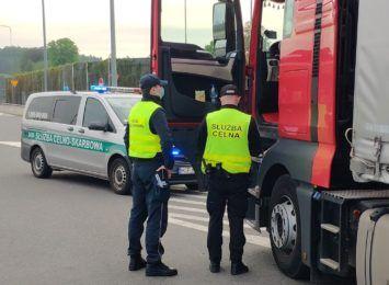Krajowa Administracja Skarbowa kontrolowała ciężarówki na A1