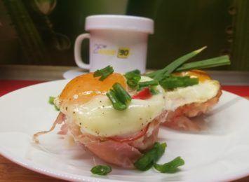 Kuchnia Radia 90: Śniadaniowe muffinki z jajkiem i boczkiem