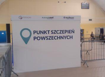 Mniej szczepień w całym województwie śląskim. Szczególnie w punktach szczepień masowych